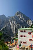 Lodge Stripsenjochhaus with Totenkirchl, Wilder Kaiser, Kaiser range, Kufstein, Tyrol, Austria