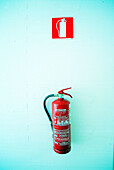 Color, Colour, Concept, Concepts, Fire, Fire extinguisher, Fire extinguishers, Fire prevention, Fire-prevention, Indoor, Indoors, Inside, Interior, Object, Objects, One, Red, Safety, Security, Symbol, Symbols, Thing, Things, Vertical, G96-264305, agefoto