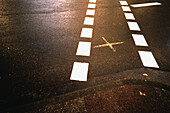 Asphalt, Avenue, Avenues, Cities, City, Close up, Close-up, Closeup, Color, Colour, Concept, Concepts, Contemporary, Daytime, Detail, Details, Exterior, Lane, Lanes, Mark, Marks, Outdoor, Outdoors, Outside, Street, Streets, Symbol, Symbols, Urban, J08-45