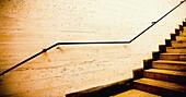Abgetönt, Architektonische details, Architektonisches detail, Farbe, Geländer, Geometrie, Innen, Konzept, Konzepte, Linie, Monochrom, Monochromatisch, Niemand, Treppe, Treppen, Wand, Wände, J08-493694, agefotostock