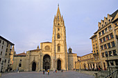 Plaza Alfonso II and cathedral, Oviedo, Asturias, Spain