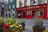 outdoor photo, houses and Murphy´s Pub in Dingle, Dingle Peninsula,  County Kerry, Ireland, Europe