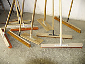 Broom, Brooms, Brush, Brushes, Clean, Cleaning, Cleaning utensil, Cleaning utensils, Color, Colour, Concept, Concepts, Detail, Details, Ground, Grounds, Horizontal, Indoor, Indoors, Inside, Interior, Many, New, Object, Objects, Stand, Standing, Still lif