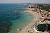 Blick vom Salamis Bay Hotel Richtung Mimoza Beach Hotel, Strand, Kueste, Salamis, Nordzypern, Zypern