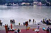 Ghats sobre el rio Ganges. Rishikesh. Himalaya Garwal. Uttar Pradesh. India.