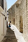Entrance gate in city walls. Vejer de la Frontera. Cádiz province. Andalucía. Spain.