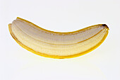 Aliment, Aliments, Banana, Bananas, Clipping path, Close up, Close-up, Closeup, Color, Colour, Food, Foodstuff, Fruit, Fruits, Healthy, Healthy food, Indoor, Indoors, Inside, Interior, Nourishment, Nutrition, One, Still life, Yellow, L37-475656, agefotos