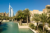 Luxury Hotel Burj al Arab with oasis and palm trees, Madinat Jumeirah, Dubai, United Arab Emirates
