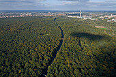aerial view of Eilenriede city forest and the route of the Messe Schnellweg, the expressway to the fairgrounds, Hanover, Lower Saxony, Germany