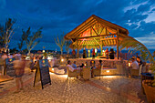 Jamaica Negril Ricks Cafe open air bar viewpoint at sunset Reggä band playing
