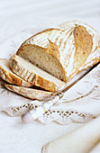 Aliment, Aliments, Bread, Bread slice, Bread Slices, Celebration, Close up, Close-up, Closeup, Color, Colour, Food, Foodstuff, Healthy, Healthy food, Holiday, Indoor, Indoors, Inside, Interior, Knife, Knives, Nourishment, Nutrition, Still life, Vertical,