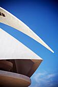 Architektonische details, Architektonisches detail, Architektur, Aussen, Blau, Blauer Himmel, CAC, Ciudad de las Artes y las Ciencias, Comunidad Valenciana, Detail, Details, Draussen, Europa, Farbe, Futuristisch, Gebäude, Himmel, Kunst und Wissenschaft, L