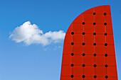 Abstrakt, Aussen, Blau, Blauer Himmel, Detail, Details, Draussen, Farbe, Form, Formen, Geometrie, Gestalt, Gestalten, Himmel, Horizontal, Konzept, Konzepte, Ohio, Rot, Seltsam, Tageszeit, Toledo, Wolke, Wolken, N86-587213, agefotostock
