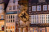 Bremen Roland in market square, Bremen, Germany