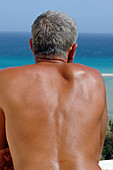 mer, Baby boomers, Back, Back view, Backs, Bare, Beach, Beaches, Color, Colour, Contemporary, Daytime