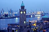 Europe, Germany, hanseatic city of Hamburg, port of Hamburg, Landungsbrücken (Jetties)