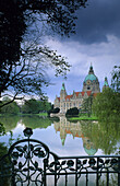 View over lake Maschsee to city hall, Hanover, Lower Saxony, Germany