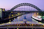 Europe, Great Britain, England, Tyne and Wear, Newcastle upon Tyne, Tyne and swing Bridge