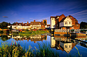 Europe, England, Gloucestershire, Tewkesbury, Mill Avon Waterfront