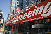 SIGHTSEEING BUS, TIMES SQUARE, MIDTOWN MANHATTAN, NEW YORK, USA