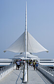 Footbridge, Quadracci Pavilion Art Museum, Milwaukee, Wisconsin, USA