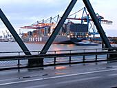 Container Terminal im Hamburger Hafen, Burchardkai in Waltershof, Hamburg, Deutschland