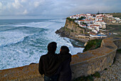 Couple looking out to sea, Seaside town, Azenhas do Mar, overlooking the sea, Atlantic Ocean, Costa de Lisboa, Lisbon District, Estremadura, Portugal