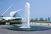 Fountain, Quadracci Pavilion Art Museum, Milwaukee, Wisconsin, USA