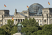 Soviet Cenotaph, Reichstag building in foreground, Berlin, Germany