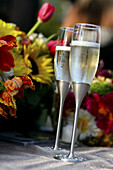 Alcohol, Alcoholic beverage, Alcoholic drink, Alcoholic drinks, Alcoholick beverages, Beverage, Beverages, Celebrate, Celebrating, Celebration, Celebrations, Champagne, Close up, Close-up, Closeup, Color, Colour, Drink, Drinks, Flower, Flowers, Full, Glas