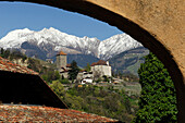 View at Tyrol castle in front of snow covered mountains, Burggrafenamt, Etsch valley, South Tyrol, Italy, Europe