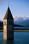 Reschensee mit Kirchturm, Graun im Vinschgau, Bozen, Südtirol, Italien