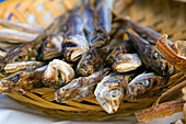 Close up, Close-up, Closeup, Color, Colour, Cuisine, Dish, Dishes, Fish, Fishes, Food, Foodstuff, Gastronomy, indoor, indoors, interior, Lunch, Lunches, Meal, Meals, Nourishment, Sardine, Sardines, Seafood, Selective focus, Still life, U79-713476, agefoto