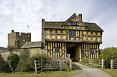 Ludlow, Stokesay castle, fortified manor (13th century), Shropshire, UK