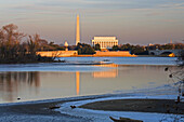 Dome of the Capitol Building, the Washington Monument and the Lincoln Memorial, Washington DC, USA