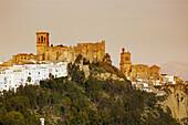 Castle, St Marys and St Peters churches, Arcos de la Frontera. Pueblos Blancos (white towns), Cadiz province, Andalucia, Spain