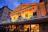 Aussenaufnahme der Brasserie Georges, Lyon, Region Rhone Alps, Frankreich