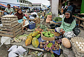 INDONESIA  Market traders, Banda Aceh, Aceh  2 years after the Tsunami
