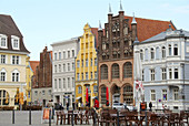 D, Germany, Europe, Mecklenburg Western Pomerania, Stralsund, Old Town, Old Market Place, Architecture, Building, Buildings, urban, City, Facade, historical, Wulflamhouse, Tourists, Restaurant