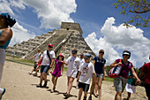 Pyramid of Kukulkan and Temple of the Warriors, Chichen Itza Archaeological Site, Chichen Itza, Yucatan State, Mexico