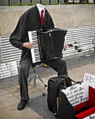 Accordion, Ask, Blind, Calle, Camisa, Challenge, Challenges, Ciego, Compose, Composer, Composing, Composition, Compositor, Creative, De, Designer, Disfraz, Disguise, Dress, Dressed, Escondido, Europe, European, Europeo, Flee, Funny, hand, Hands, hands, Ha