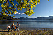 Family hiking at Lake Tegernsee, Upper Bavaria, Bavaria, Germany, Europe