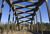 Umpqua River Bridge, Reedsport, Pacific Coast Scenic Byway, Oregon, USA