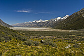 View on the Mount Cook Chain in South New Zealand