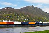 Frühling, Tag, Blick auf Königswinter mit Schloß Drachenburg und Drachenfels, Siebengebirge, Rhein, Nordrhein-Westfalen, Deutschland, Europa
