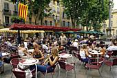 People at cafes at Place de la Mairie, Aix-en-Provence, Bouches-du-Rhone, Provence, France, Europe