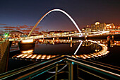 Gateshead Millennium Bridge and Tyne Bridge at night, Gateshead, Tyne and Wear, UK, England