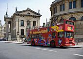 Oxford sightseeing bus, Oxford, Oxfordshire, UK, England