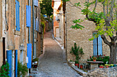 Typical lane in the old town, Gordes, Provence, France