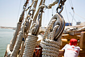 Rope with knots, sailing boat Santa Bernada, now taking tourists along the steep coast of the Algarve, Portimao,  Algarve, Portugal